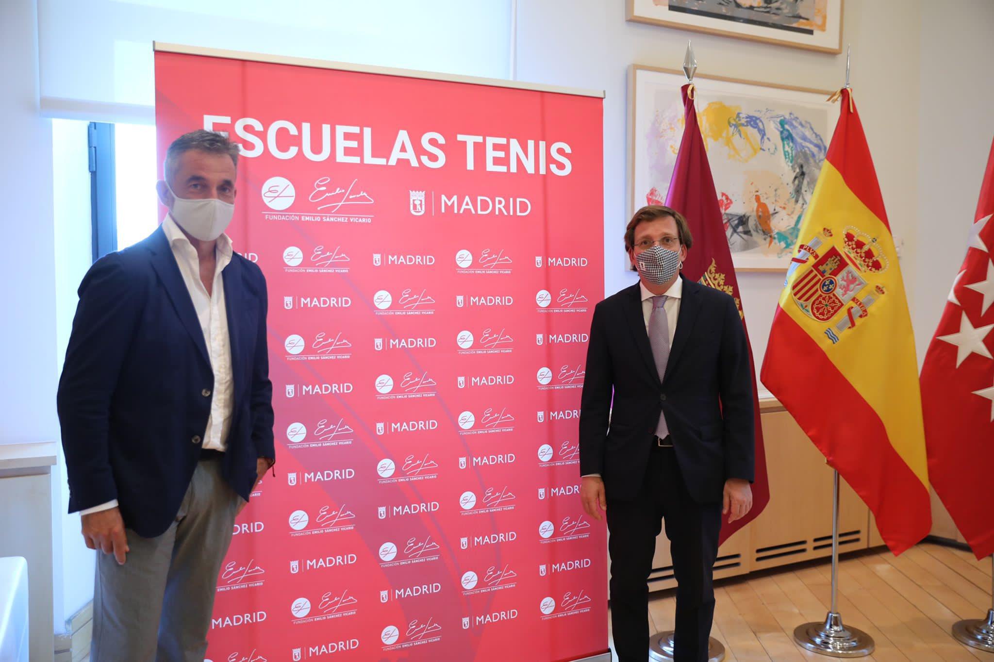 Image for Emilio Sánchez Vicario se reúne con el Alcalde de Madrid, Jose Luis Martínez-Almeida.